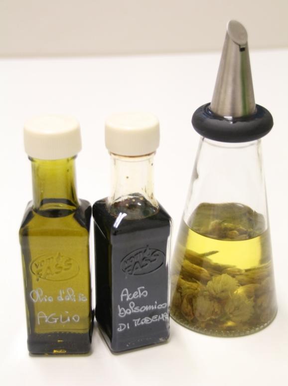 öljyä ja balsamicoa